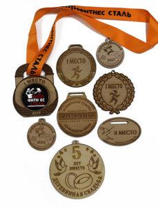 Медали из ценных пород дерева