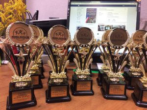 Статуэтки для участников Традиционного соревнования «МАМА, ПАПА, Я - спортивная семья» под девизом «Мое здоровье - мое достояние»